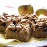 עוגת דבש עם תפוחים